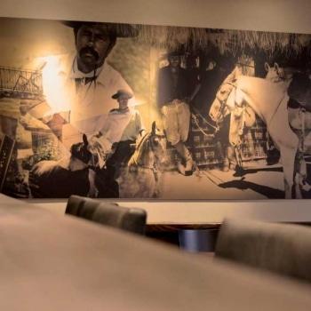 interior-design-cafe-14
